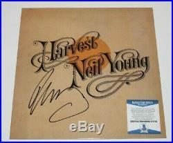 Neil Young Signed'harvest' Vinyl Record Album Lp Beckett Coa Singer Proof